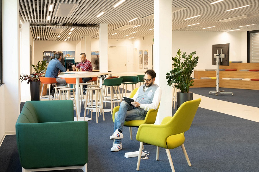In Bioggio: The new building  features a piazza to inspire and support the exchange of ideas. Source: Avaloq.
